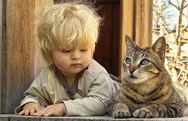 Kid-learning-how-to-cat