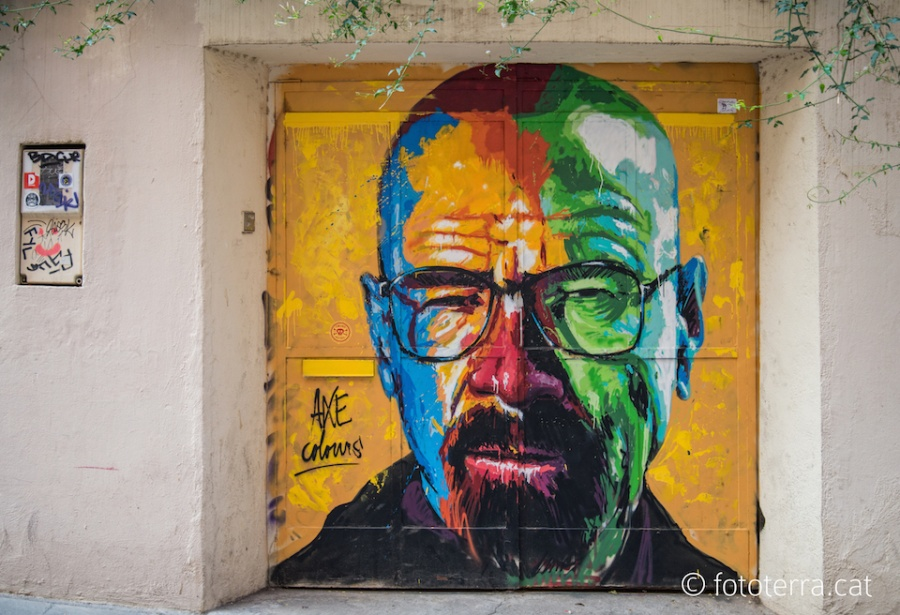 212805-R3L8T8D-900-Walter-White-from-Breaking-Bad-Street-Art-Mural-by-Axe-Colours-in-Barcelona-Spain