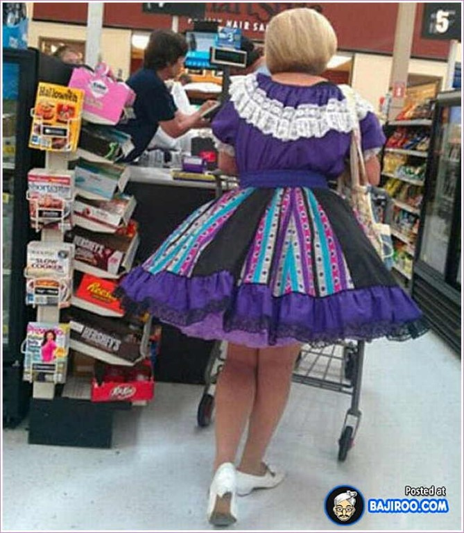 strange-people-at-walmart-people-of-walmart-funny-looking-people-strange-people-shopping-walmart (Medium)