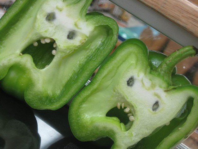 funny-shaped-vegetables-fruits-13 (Small)